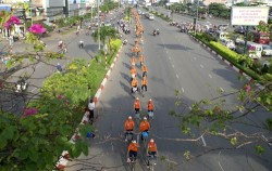 Chạy roadshow bằng xe đạp