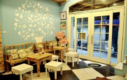 Cách để thiết kế quán cà phê góc phố