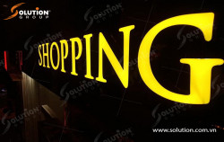 Thi công hệ thống biển quảng cáo của Vincom Center Đồng Khởi