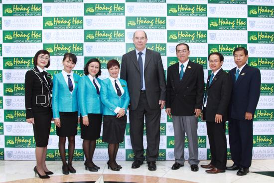 Hoàng Hạc tổ chức hội nghị khách hàng thường niên 2014