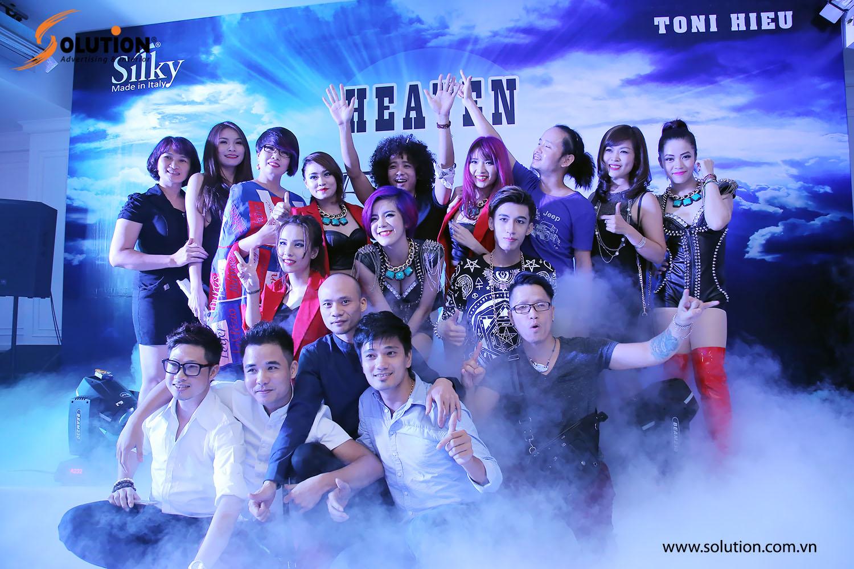 Đồng nghiệp và bạn bè đến tham gia sự kiện chia vui cùng nhà tạo mẫu tóc Toni Hiếu