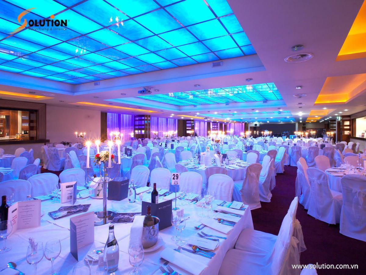 Tổ chức tiệc cuối năm Gala dinner là gì
