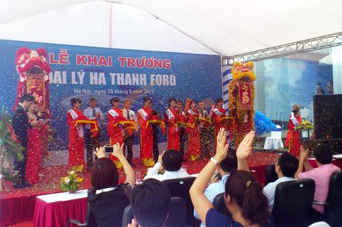 Tổ chức sự kiện lễ khai trương đại lý Hà Thành Ford, cắt băng khánh thành (2)