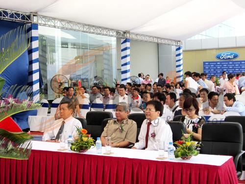 Tổ chức sự kiện lễ khai trương đại lý Hà Thành Ford, Lãnh đạo địa phương