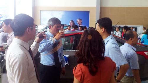 Tổ chức sự kiện lễ khai trương đại lý Hà Thành Ford, tham quan Showroom
