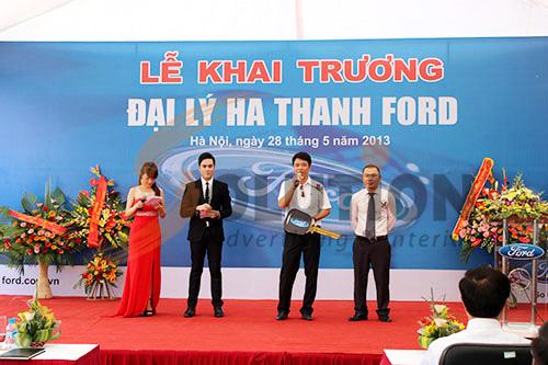 Tổ chức sự kiện lễ khai trương đại lý Hà Thành Ford, Trao chìa khóa vàng