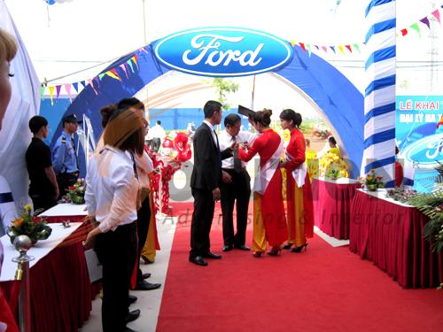 Tổ chức sự kiện lễ khai trương đại lý Hà Thành Ford, khách mời (2)